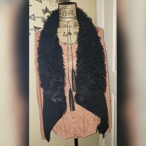 Love Tree black fur vest with pockets S